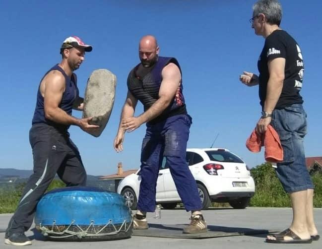 intento de levantamiento de la piedra de Sergio Mielgo