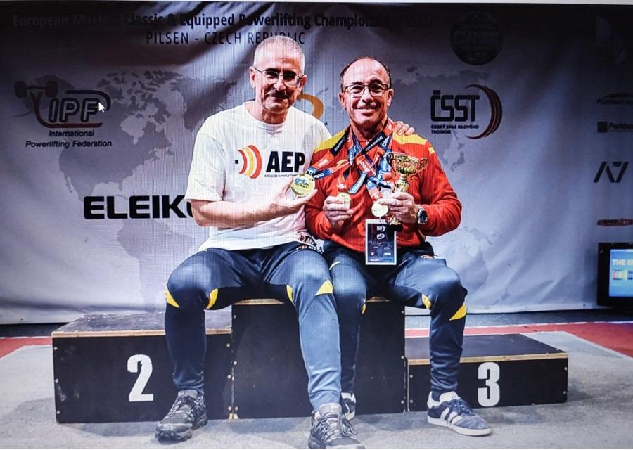 podio Rafael Lopes campeon master powerlifting 2021